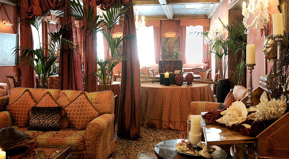 five star hotel in venice with gourmet dining ideal for city breaks. Black Bedroom Furniture Sets. Home Design Ideas