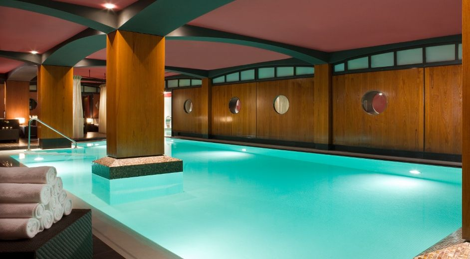 Five star modern hotel in paris with spa gym and gourmet for Hotel design spa france