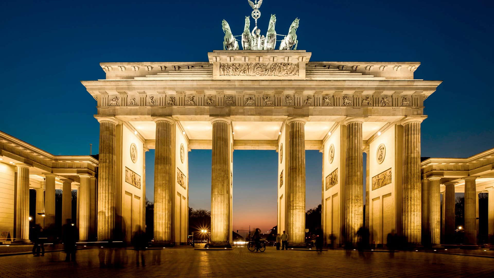 Luxury hotels in germany germany 39 s finest accommodations for Top hotels in berlin