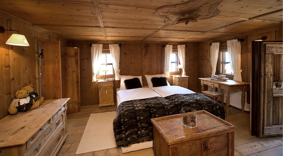 luxury chalet for rent in the dolomites near the slopes