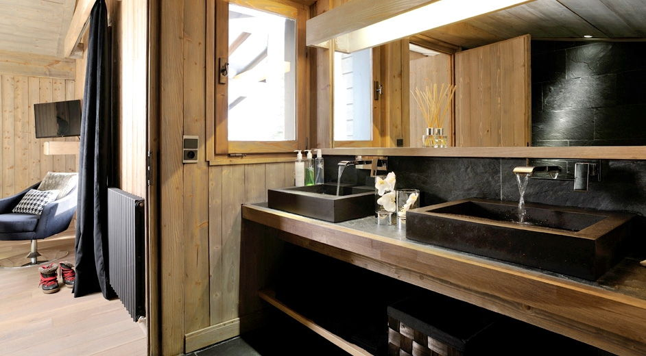Exclusive ski chalet for rent in Megève with outdoor jacuzzi