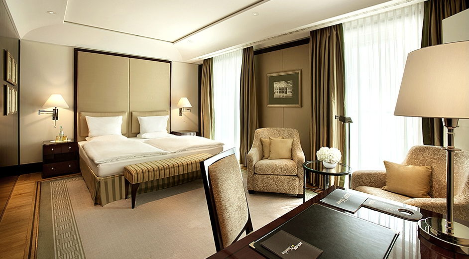 luxury five star city centre hotel in berlin with spa and. Black Bedroom Furniture Sets. Home Design Ideas