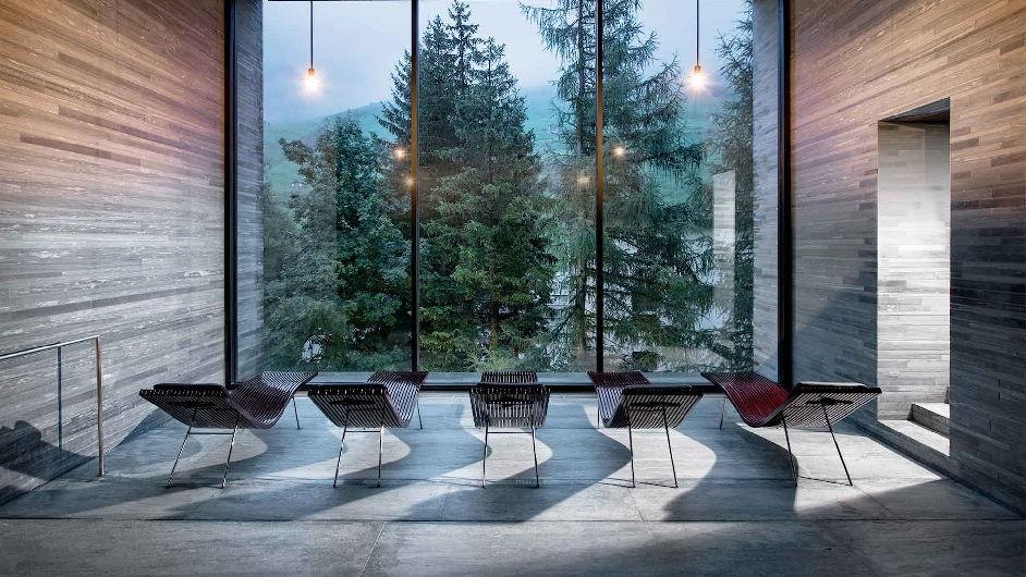 Luxury spa hotel in vals with michelin restaurant 7132 hotel for Design hotel vals