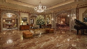 luxury_hotel_berlin_regent_lobby-302.jpg