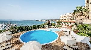luxury_hotel_gabbiano_azzuro_pool_a-302.jpg