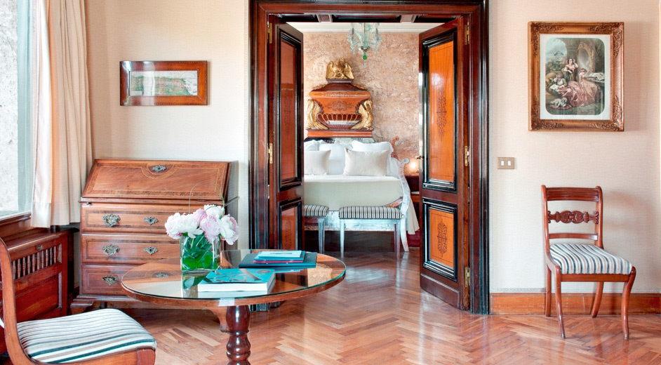 Luxuri ses strandhotel mit pool an der costa brava nahe for Hostal luxury