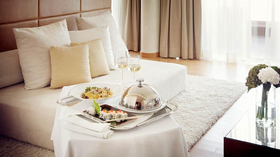 Luxury seaside hotel in ibiza near city centre ibiza for Ibiza hotel luxury 5 star