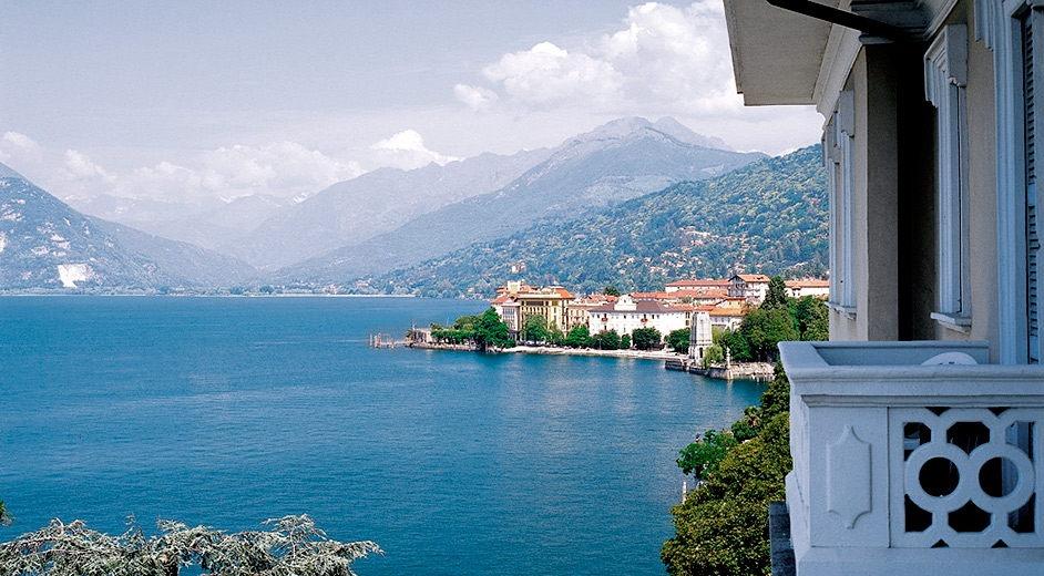 Romantic 4 star lakefront hotel in lake maggiore with for Designhotel lago maggiore