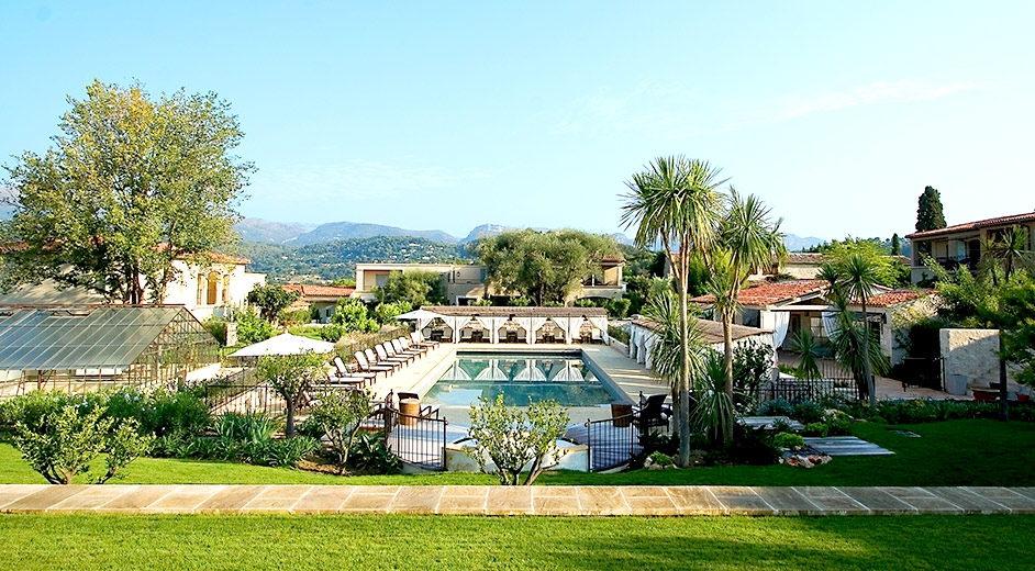 H tel spa 5 toiles avec piscine au sud de la france for Hotel au sud de la france