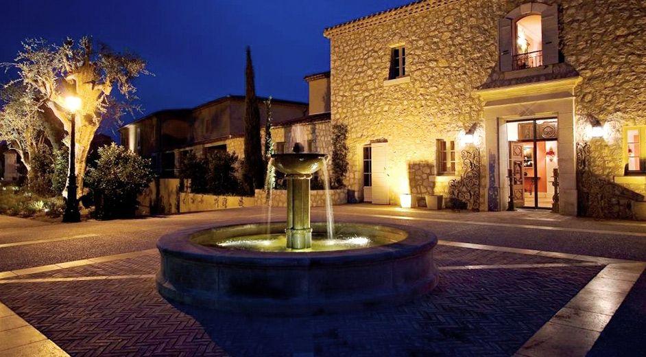 H Tel Spa 5 Toiles Avec Piscine Au Sud De La France