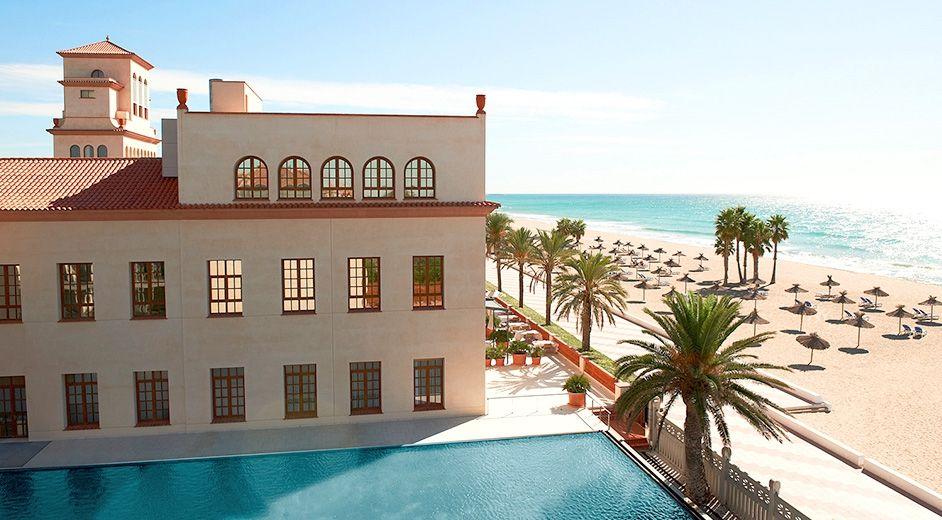 Modernes design spa hotel kreative ideen f r design und for Design hotel dolomiten italien