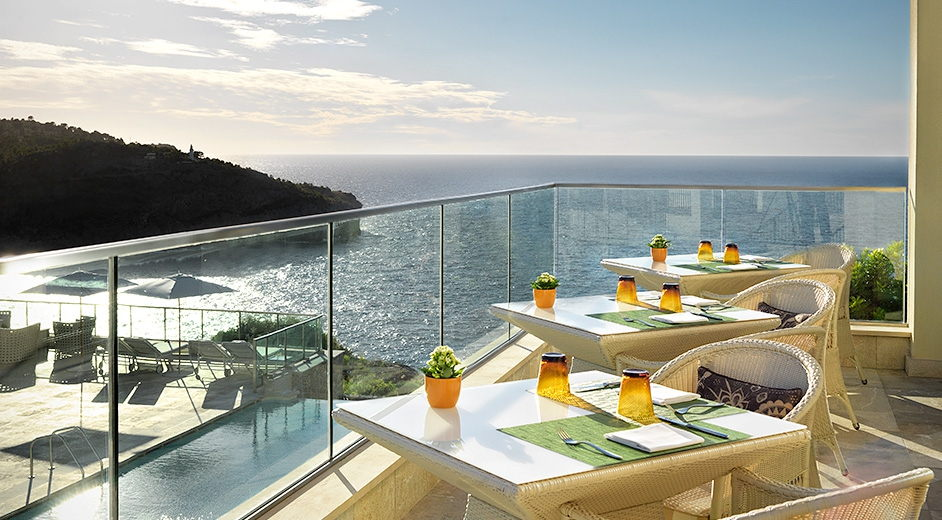 Romantic luxury spa hotel in majorca near port soller with for Top design hotels mallorca