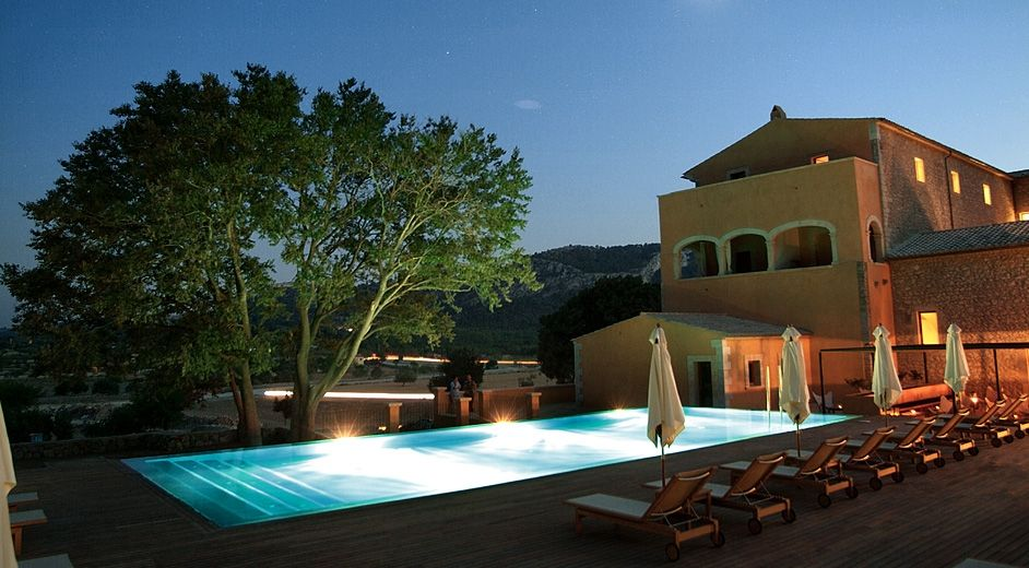 Exclusive romantic retreat in a five star hotel and spa in for Design boutique hotels mallorca