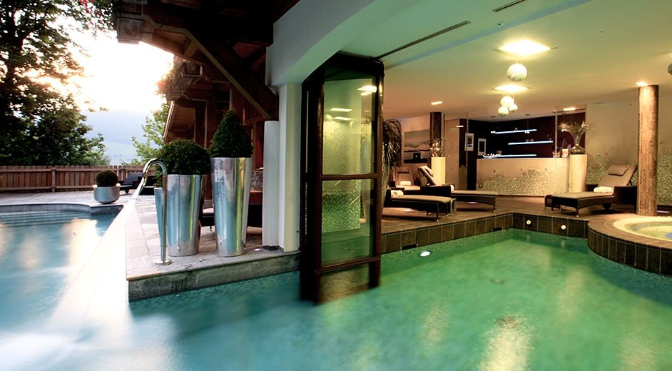 Exclusive five star hotel in the french alps near golf for Exclusive luxury hotels