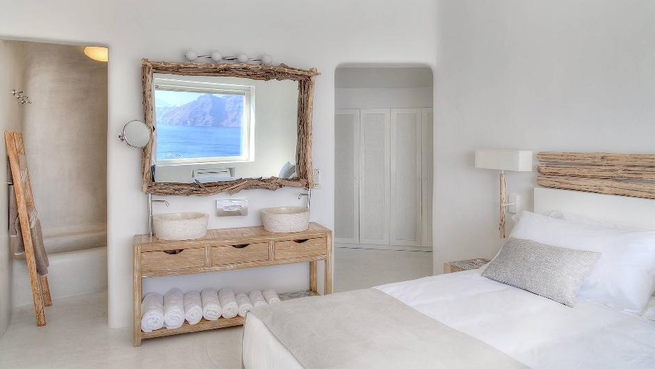 complexe de luxe sur l 39 le grecque santorini h tel mystique. Black Bedroom Furniture Sets. Home Design Ideas