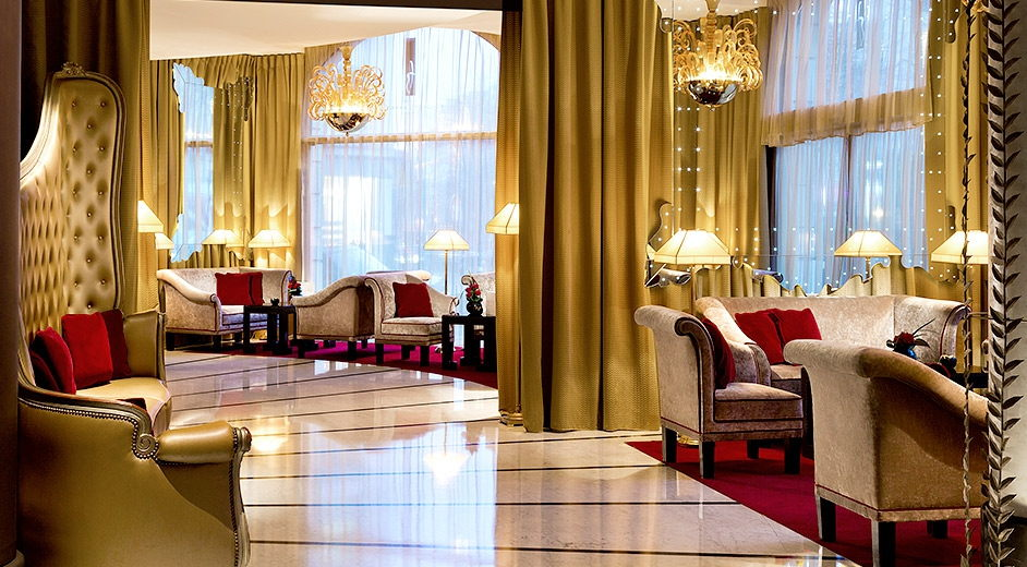 Five star modern hotel in paris with spa gym and gourmet for Luxury hotels paris france