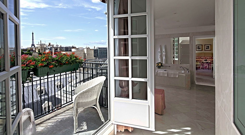 Exclusive Luxury Spa Hotel With Michelin Star Restaurant In The Centre Of Paris