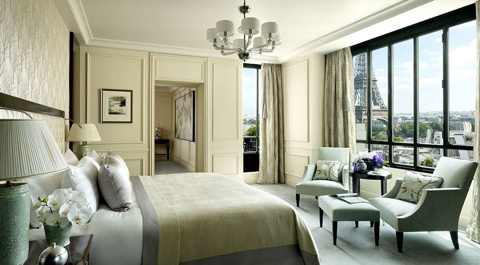 luxus hotel paris mit blick auf eiffelturm shangri la hotel. Black Bedroom Furniture Sets. Home Design Ideas