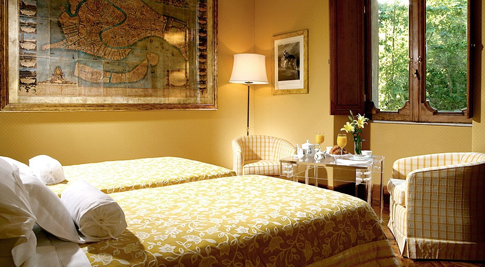 Romantic luxury hotel in rome city centre with private gardens for Boutique 5 star hotels