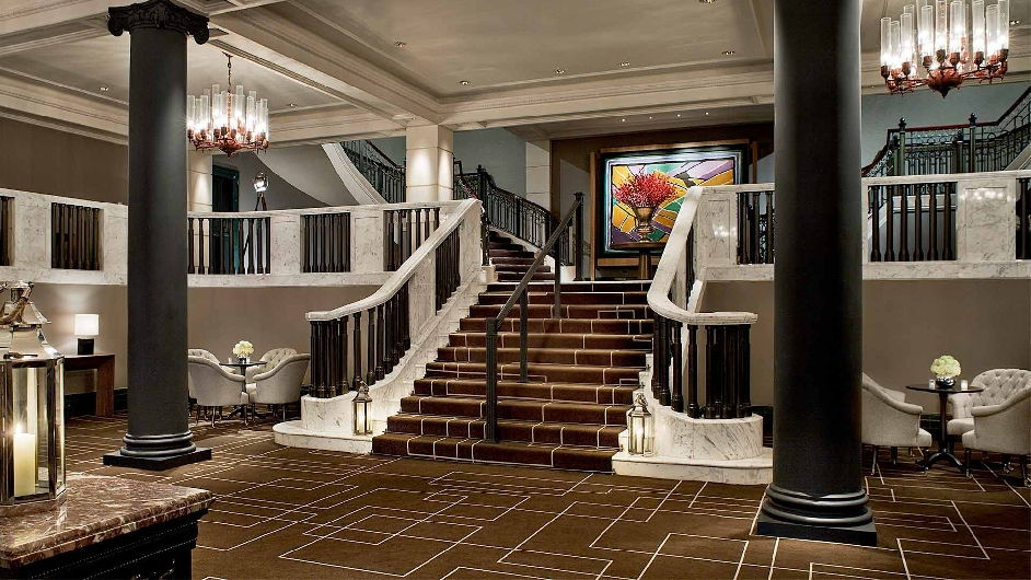 Luxury Hotel Foyer : Luxurious flat rental in downtown london manor house suite