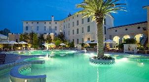 luxury_hotel_thermae_sylla_spa_wellness_ext_pool_night-302.jpg