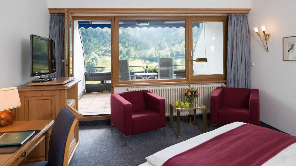 exklusives luxus hotel im schwarzwald traube tonbach. Black Bedroom Furniture Sets. Home Design Ideas