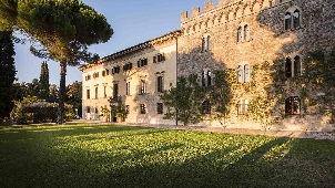 luxury_hotels_tuscany_borgo_pignano_outside_view_4-302.jpg