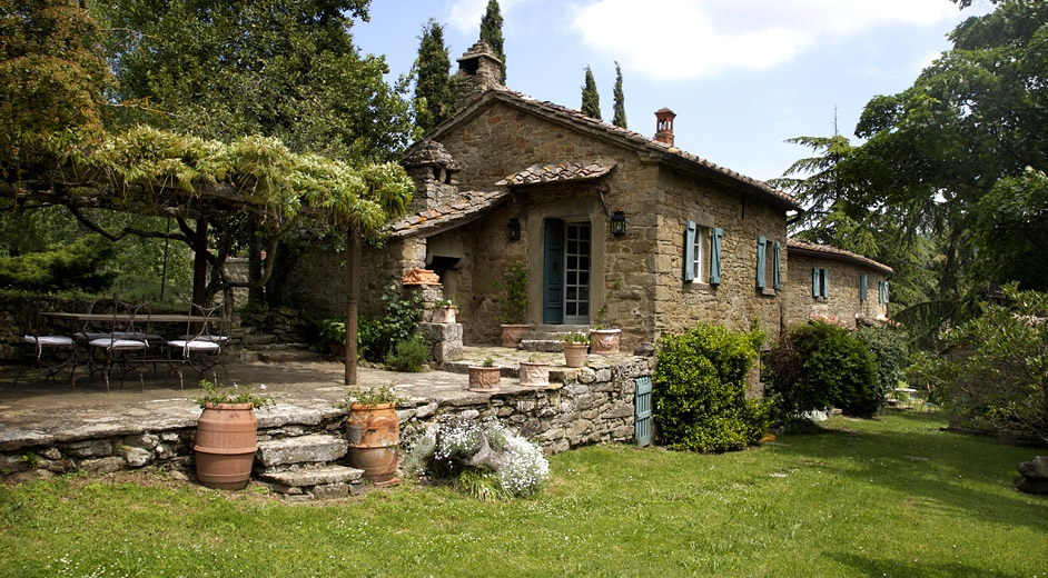 private vacation home rental in tuscany with pool near a lake