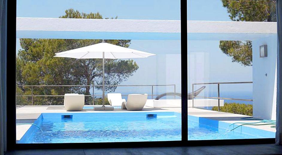 ultra modernes ferienhaus in strandn he auf ibiza mit. Black Bedroom Furniture Sets. Home Design Ideas