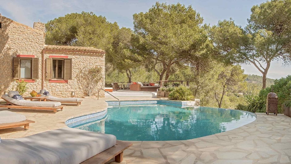 Child friendly luxury 3 villa estate for 24 people - Ibiza house renting ...