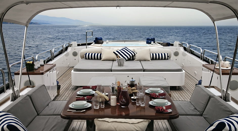 Top Mediterranean yacht charters – private motor yacht Element