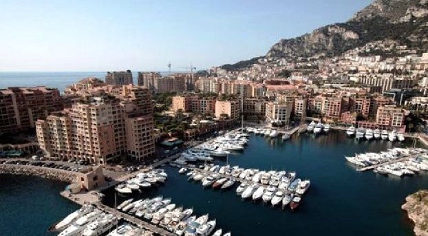 monaco 39 s best ports marinas and yacht clubs for sailing holidays. Black Bedroom Furniture Sets. Home Design Ideas