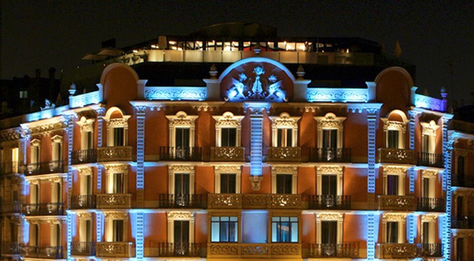 5 star hotel in barcelona with fine dining near pla a for Nearest 5 star hotel