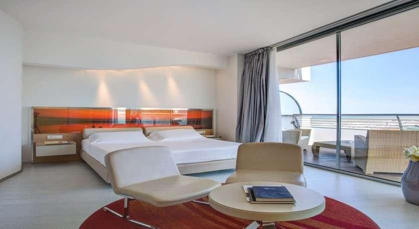 5 luxushotel mit privatstrand in norditalien hotel waldorf for Designhotel norditalien