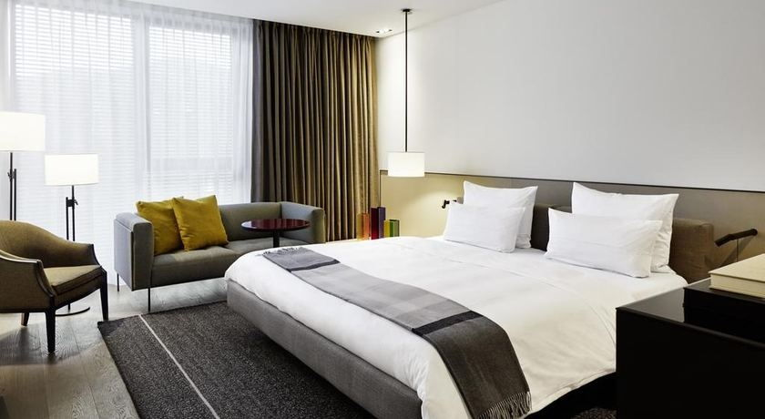 luxus design hotel im schwarzwald roomers baden baden. Black Bedroom Furniture Sets. Home Design Ideas
