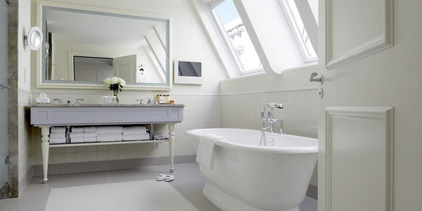 dieses grand premier zimmer verfgt ber 2 waldorf astoria einzelbetten das zimmer blickt auf die skyline den kanal oder den garten - Hotel Amsterdam Dusche Im Zimmer